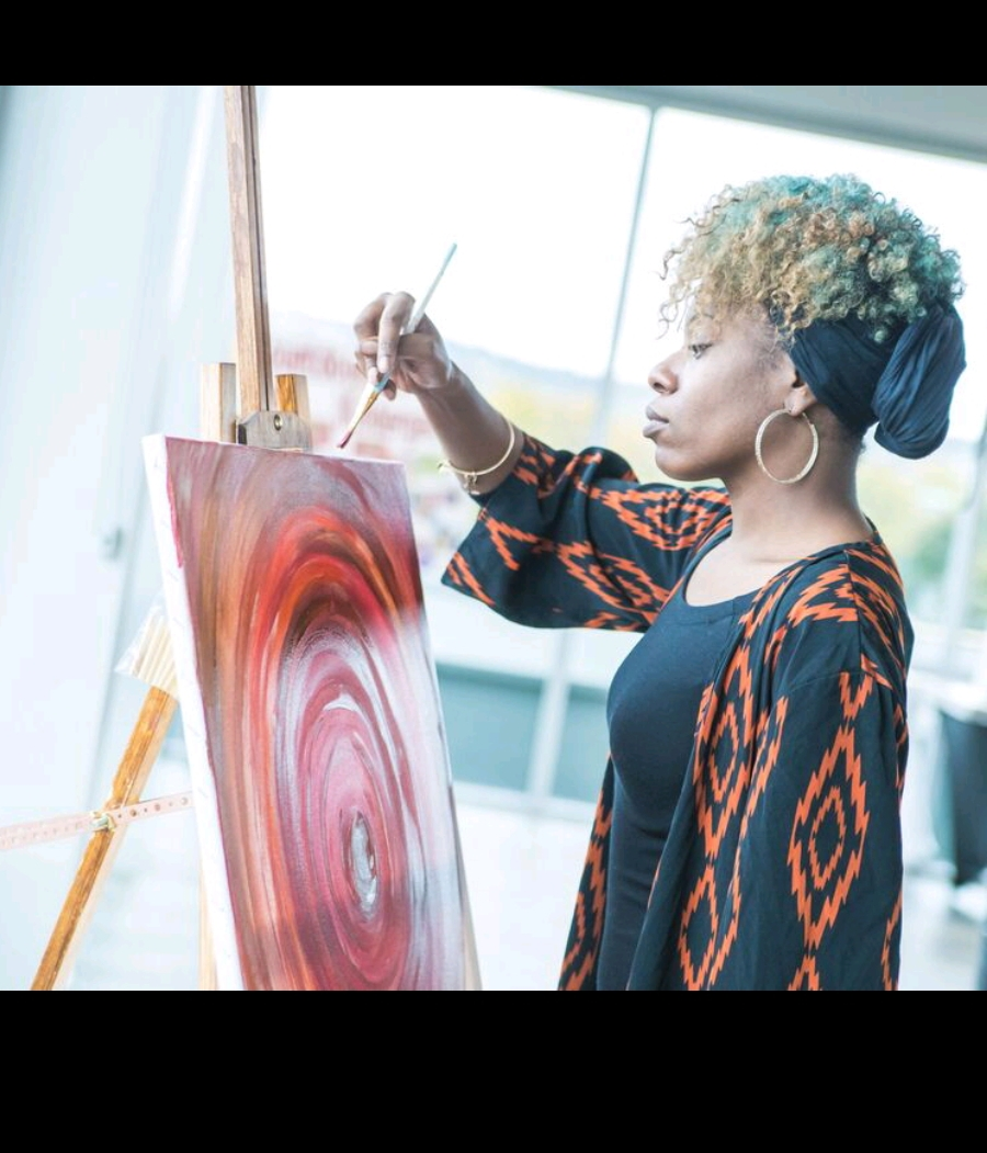 picture of lavonne barfield a black woman artist